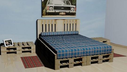Postel z palet pro ne tuln d m for Bases de cama hechas con tarimas